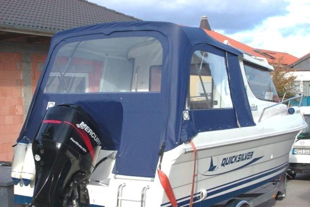 Cabrio na łodzi motorowej