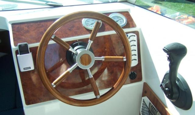 Ster łodzi motorowej