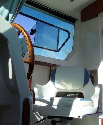 Fotel sternika na łodzi Mazury