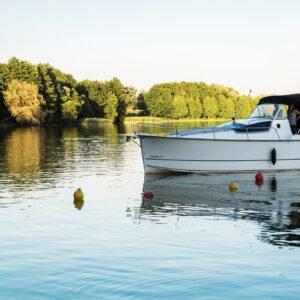 motor yacht Nexus 850 charter masuria