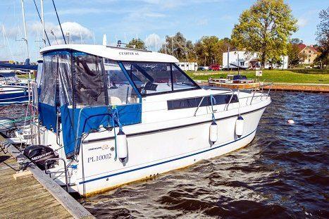 Nexus 870 Revo houseboat mazury