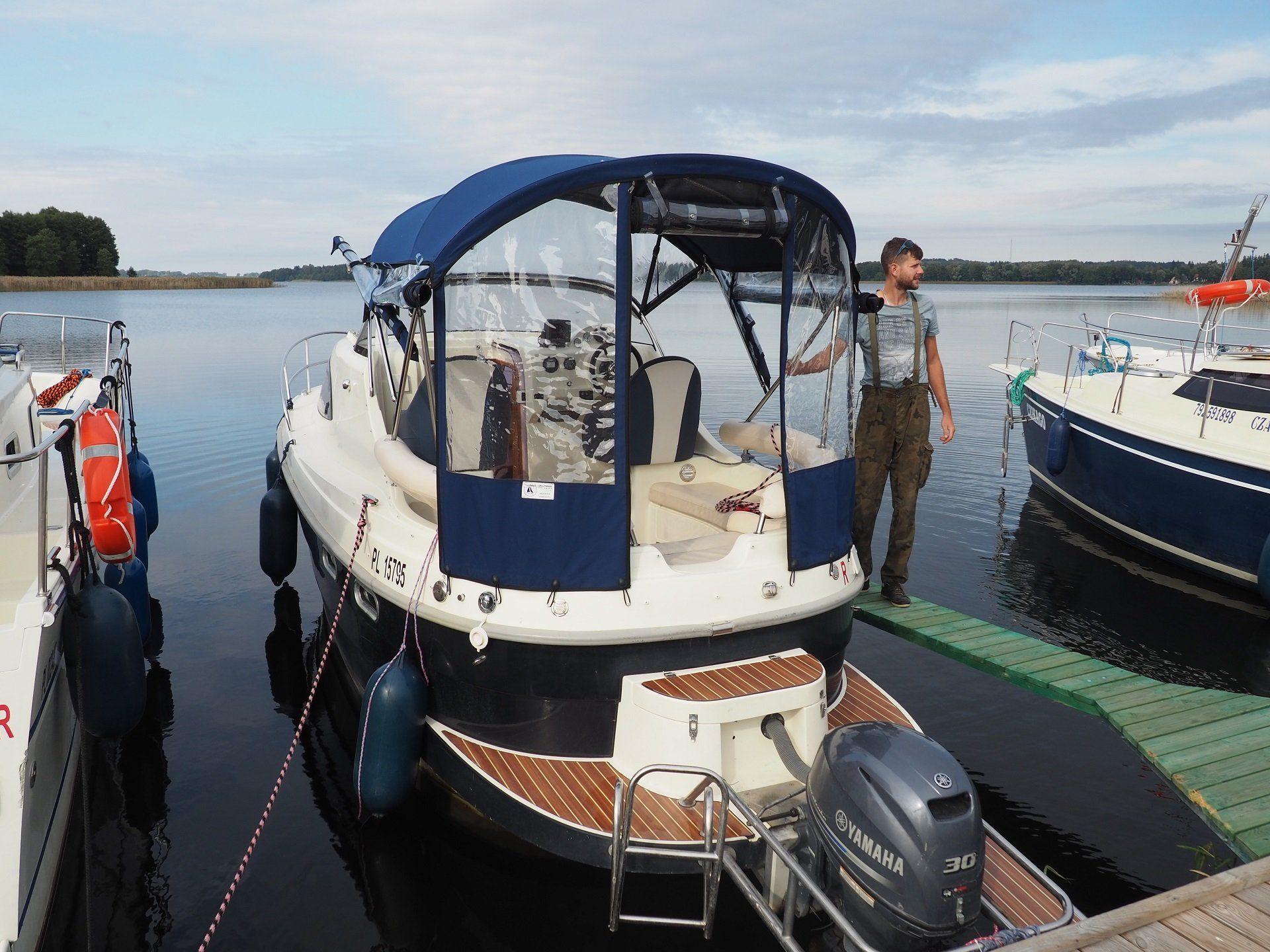am 780 houseboat czarter