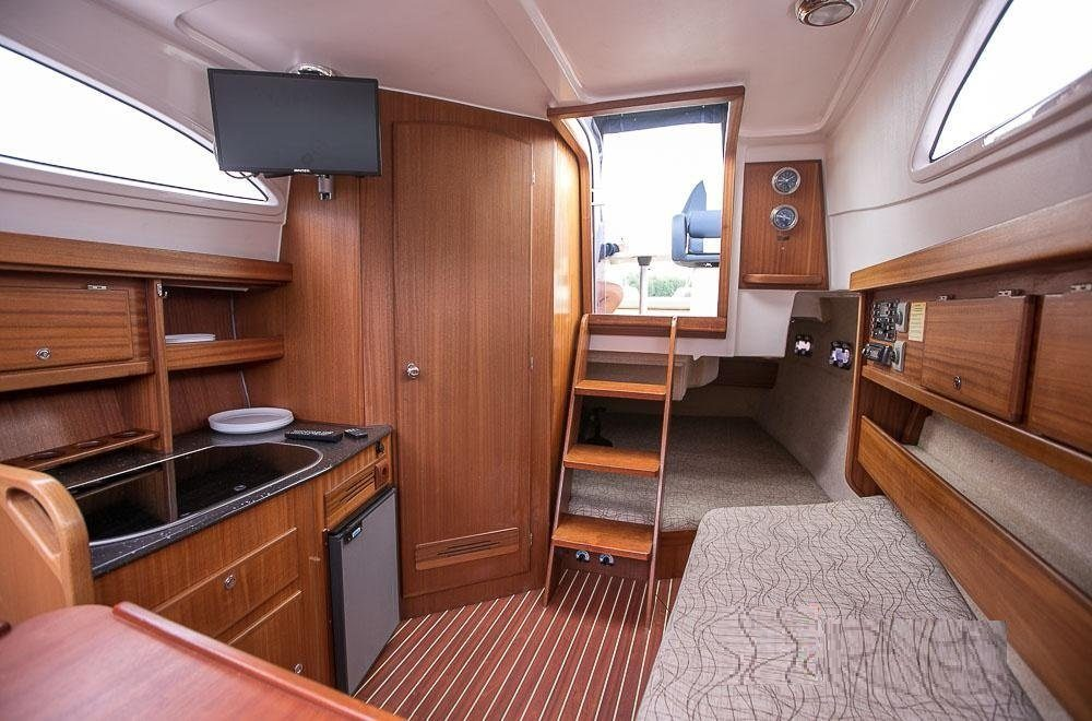 am 780 wnętrze łodzi motorowej mazury