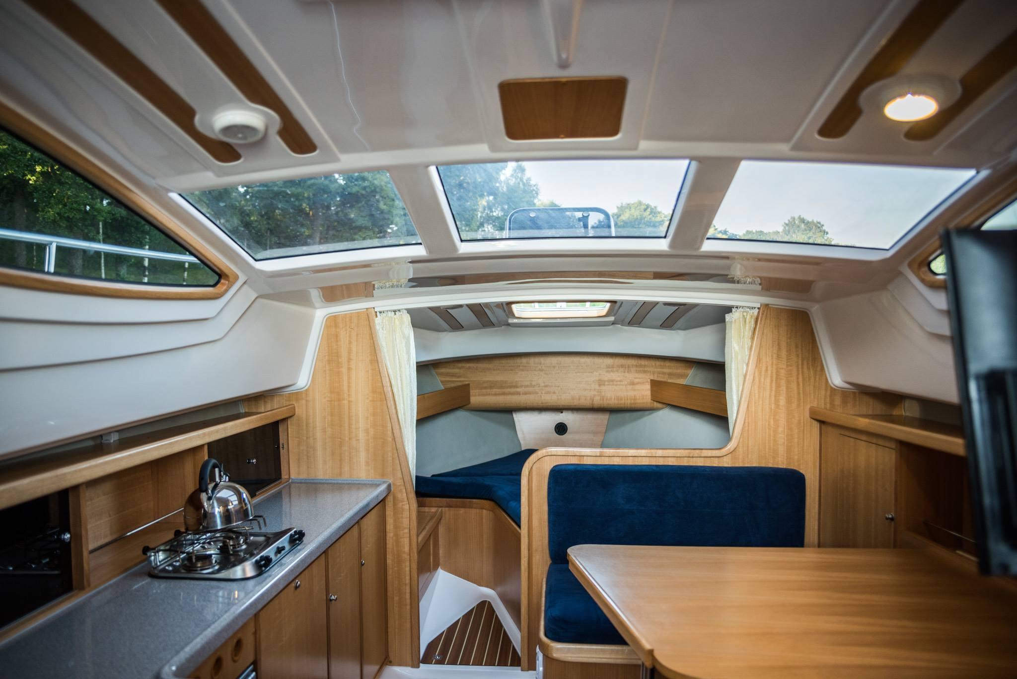 kabina houseboat