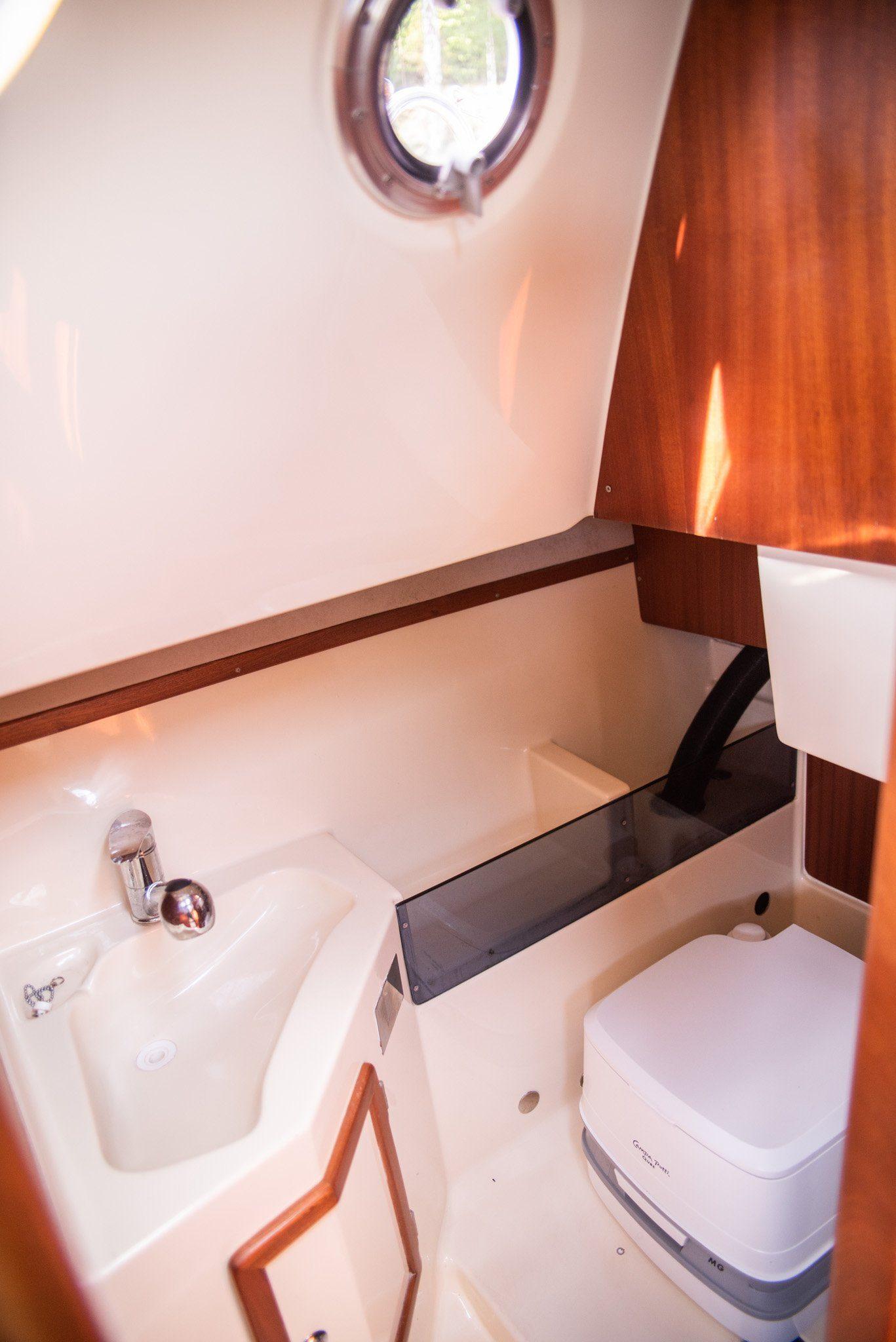 sunhorse 25 prysznic w kabinie