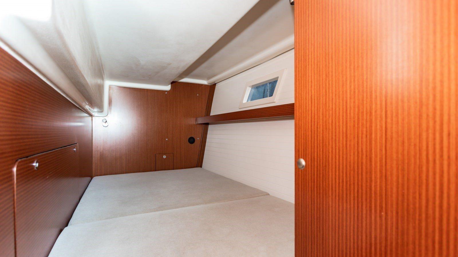 nautika 1300 czarter jachtu motorowego kabina
